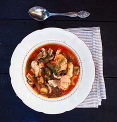Kalakeitto porisemaan - kansallinen kalakeittopäivä 9.2 - Himahella Thai Red Curry, Seafood, Ethnic Recipes, Sea Food, Seafood Dishes