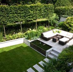 Aus dem Garten wird eine Oase : Klassischer Balkon, Veranda & Terrasse von Paul Marie Creation