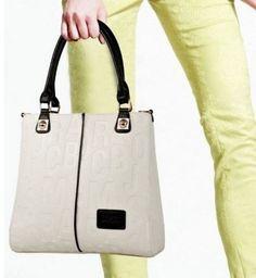 Moderní dámská kabelka bílá- dámské kabelky Na tento produkt se vztahuje  nejen zajímavá sleva d5526b6d838