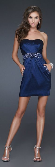 "... WOW!  ""The Little NAVY Dress!!"" ..."