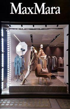 "MAXMARA,London,UK, ""Stay focus Marilyn....keep your eyes on the camera"", design by Chameleon Visual, pinned by Ton van der Veer"