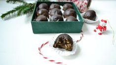 Jadalne prezenty bez cukru. Trufle a`la śliwki w czekoladzie. - Na pół słodko Trufle, Gluten, Food, Ideas, Essen, Meals, Thoughts, Yemek, Eten