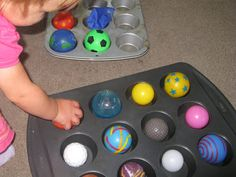 Baby play idea using balls and muffin tins for brain building, fine motor skill development, visual perceptual skills, perfect for sitting and mobile babies and Toddlers. Toddler Play, Baby Play, Baby Kids, Infant Toddler, Infant Activities, Activities For Kids, Fine Motor Skills Development, Baby Games, Cool Baby Stuff