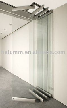 Foldable Glass Wall - a system which could work for the conference room Movable Partition, Folding Partition, Glass Partition Wall, Movable Walls, Folding Doors, Partition Ideas, Folding Glass Door, Folding House, Murs Mobiles