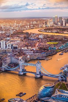 Flowing right through the heart of London, the Thames River is both the city's lifeline and its dividing point. A boat ride along the Thames River is a quintessential London experience, with sightseeing rides, dinner cruises and hop-on, hop-off boat tours all serving as popular choices!