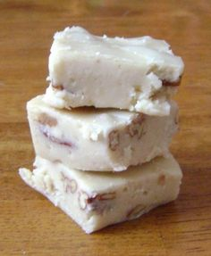 Easy Caramel Fudge - White Chocolate Caramel Pecan Fudge is a quick and easy 5 Minute Fudge Recipe and it's a huge favorite this year.