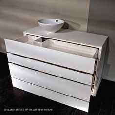 Fresh Lacava is a leading designer and manufacturer of bath furnishings in contemporary and transitional styles for the most discerning tastes