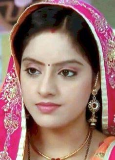 Beautiful Girl Photo, Beautiful Girl Indian, Most Beautiful Indian Actress, Beautiful Actresses, Indian Tv Actress, Indian Actresses, Deepika Singh, Allah Wallpaper, Cute Girl Pic
