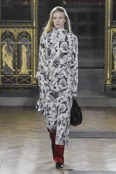 Sharon Wauchob Autumn/Winter 2017 Ready-to-wear Collection