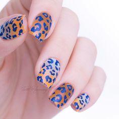 Hallo meine süßen 🐭 hier mal die #nailwraps von @misssophies a la @lackfein 💕💅🏻 bis zu einer bestimmten Nagellänge könnt ihr die Nailwraps in der Mitte teilen und einen für zwei Nägel verwenden. 😉 #MissSophies #MissSophiesLove #RoarMS