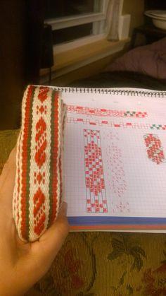 Inkle Weaving, Inkle Loom, Card Weaving, Pink And Purple Flowers, Crochet For Beginners, Band, Beading Patterns, Fiber Art, Weaving