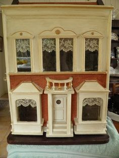 My very own Lines No13 - Dolls Houses Past & Present. Simple design, nice colors, and good detail. .....Rick Maccione-Dollhouse Builder www.dollhousemansions.com
