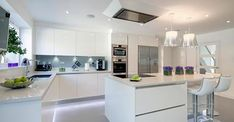 Modern Kitchen Design – Want to refurbish or redo your kitchen? As part of a modern kitchen renovation or remodeling, know that there are a . Kitchen Remodel, Luxury Kitchens, Kitchen Inspirations, Kitchen Interior, Interior Design Kitchen, Kitchen Layout, Kitchen Style, Modern Kitchen Design, Trendy Kitchen