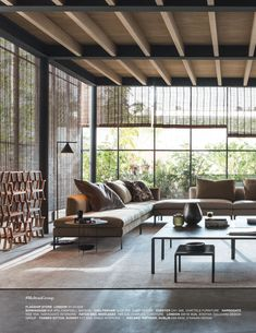 I'm reading page 2 of Elle Decor Italia - October 2016 Flat Interior, Home Interior Design, Interior And Exterior, Interior Decorating, Living Room Nook, Rural House, Industrial House, Home Look, Elle Decor