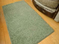 These glade green husky circular washable, non slip rugs are ideal for bedrooms, living rooms and conservatories. Their woven pile makes them easily cleaned and soft to touch. Machine Washable Rugs, Shaggy Rug, Green Rooms, Husky, Conservatories, Pedestal, Room Ideas, Lounge, Amazon