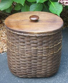 Magazine/Waste  Basket with Lid by JGBaskets on Etsy, $45.00