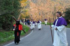 All'alba del venerdì santo rivive l'antica tradizione dell'Accolta e l'Elba si rituffa nel Medioevo