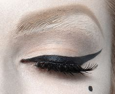 lamorbidezza:  Make-up at Christian Dior Haute Couture Spring 2010