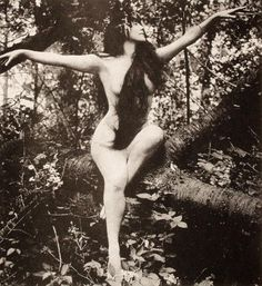 Annette Kellerman, actress and swimmer in 1916 film A Daughter of the Gods