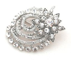 Star Vintage Crystal Brooch