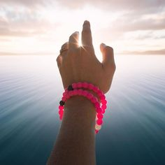 Extend your reach, show your support #livelokai ⠀⠀⠀⠀⠀⠀⠀ The Breast Cancer Lokai is now available via the link in our bio!  @bejamin