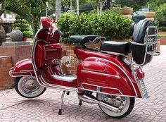 Accessories: – 3 in 1 back luggage rack assembly – Stainless steel sports exhaust system – Chrome rims & Round hubcaps – White wall tires – 5 port cylinder kit upgrade + Si carburetor upgrade – CDI electrical upgrade Vespa For Sale, Vespa Scooters For Sale, Motor Scooters, Vespa Girl, Scooter Girl, Retro Scooter, Vespa Super, Red Vespa, Cool Sports Cars