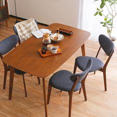 いいね!10件、コメント1件 ― sumicia interiorさん(@sumicia.interior)のInstagramアカウント: 「あたたかみを感じる曲線。優しい雰囲気のファブリック。気が付くと、いつもここに居る。 ・ 8月中旬入荷予定。予約受付中。 ・ ◎ 商品ページはこちら…」 Dining Chairs, Dining Table, Interior, Furniture, Home Decor, Instagram, Products, Decoration Home