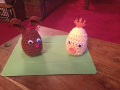 Easter bunny and chick, contain plastic egg to fill with an Easter treat x