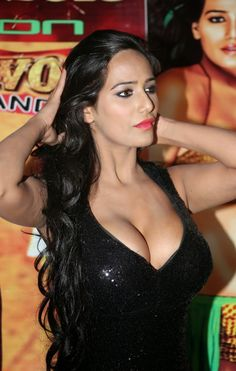 Cine Gallery: Bollywood Actress Poonam Pandey Latest Hot Stills Hot Black Dress, Bollywood Actress Hot Photos, Bollywood Celebrities, India Beauty, Lingerie Models, Hottest Photos, Indian Actresses, Nudes, Fitness Inspiration