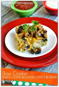 Slow Cooker Breakfast Casserole with Spinach, Mushrooms and Peppers #slowcookerbreakfast #crockpotrecipe