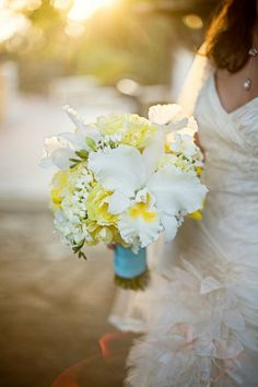 yellow and white orchid stephanotis bouquet. Love how delicate it looks! Yellow Peonies, White Tulips, White Orchids, Yellow Wedding Flowers, Flower Bouquet Wedding, Floral Wedding, Bouquet Flowers, Wedding Colors, White Orchid Bouquet