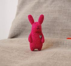 Hey, I found this really awesome Etsy listing at https://www.etsy.com/listing/176549462/felted-animal-needle-felted-bunny-needle