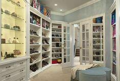 Women's Walk-In Closet | Traits of the perfect walk-in closet - sitting area