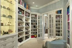 6 Traits of the Perfect Walk-in Closet