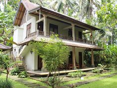 8 Days Yoga Retreat in Ashram Munivara Ubud, Bali