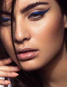 deep blue eyeliner Verve-Magazine31467-r-500x650_c