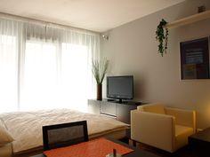 Das Interieur aller Wohnungen ist vollmöbeliert. Man findet hier alles, was im Hauslaht gebraucht wird. http://www.mietwohnungen-prag.de/