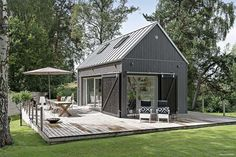 New exterior de casas madera Ideas Modern Barn House, Tiny House Cabin, Tiny Cabins, Log Cabins, Shed Homes, Small House Design, Scandinavian Home, Building A House, House Plans