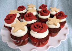 rose starfish cupcake by Amanda Oakleaf Cakes, via Flickr