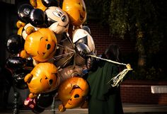 Balloon Vendor @ Disneyland Paris