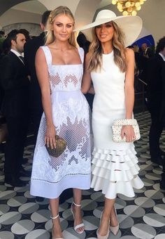 2018 forecast for Spring Racong fashion 2019 – Sommerkleider Trend 2019 Derby Outfits, Look Fashion, Womens Fashion, Fashion Tips, Short Dresses, Summer Dresses, Races Dresses, Elegant Outfit, Spring Outfits