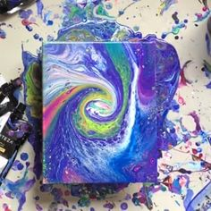 Acrylic Pouring Art - How to make beautiful artwork using an acrylic pouring technique. Fluid art pouring tutorial and marbling technique. Flow Painting, Acrylic Pouring Art, Diy Canvas Art, Acrylic Paint On Canvas, Acrylic Painting For Kids, Kid Painting, Canvas Wall Decor, Canvas Canvas, Painting Canvas
