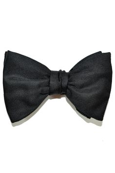 Black bow tie, large black silk bow tie by Le Noeud Papillon.