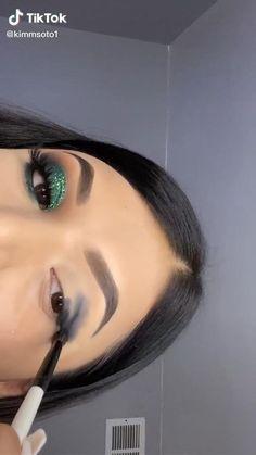 Dope Makeup, Baddie Makeup, Eye Makeup Art, Skin Makeup, Creative Eye Makeup, Colorful Eye Makeup, Makeup Morphe, Eye Makeup Designs, Christmas Makeup Look