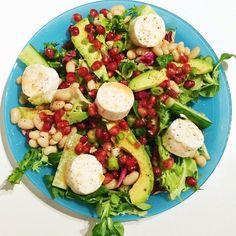 Sarahs Krisenherd: [Instagram Recipe] Salat mit Ziegenkäse, Avocado und Granatapfelkernen