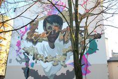 """Poland, Lodz Na ścianie kamienicy przy ulicy Nowej 3 powstał kolejny mural Fundacji Urban Forms - Ciągłe miasto / Continuous city"""". Współfinansował go właściciel nieruchomości - firma Apartner s.c."""