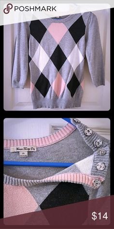 """3/4"""" Sleeve Argyle Sweatshirt Great condition. No flaws. 100% Cotton. Ribbed cuffs, hem and neckline. Three button shoulder clasp. Chest - 34"""" Waist - 30"""" Sleeves - 17"""" Length - 21"""" Forever 21 Tops Sweatshirts & Hoodies"""