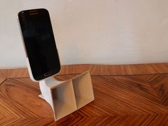 speaker horn for Galaxy S4 to achieve a better sound by passive amplifying.