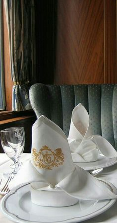 quenalbertini: Luxury aboard the Orient Express L Orient, Simplon Orient Express, Ticket To Ride, By Train, Jesus Is Lord, Train Rides, Train Trip, Train Travel, Train Station