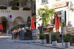 Małe miasteczko o przydługiej nazwie Austria, Breakfast, House, Morning Coffee